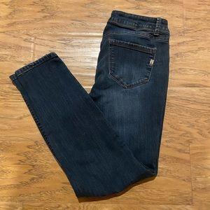 1822 Dark Denim Ankle Jeans